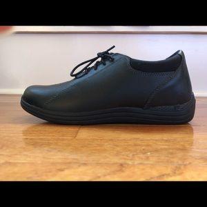 DREW Shoe